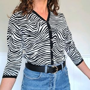 😍 Vintage funky black and white cardigan